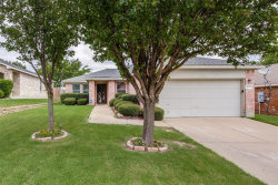 Photo of 10124 Cougar Trail, Fort Worth, TX 76108 (MLS # 14378165)