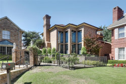 Photo of 3 Kingsgate Court, Dallas, TX 75225 (MLS # 14405340)