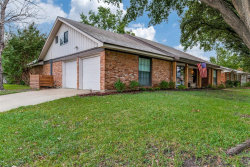 Photo of 3864 Wedgworth Road S, Fort Worth, TX 76133 (MLS # 14431851)