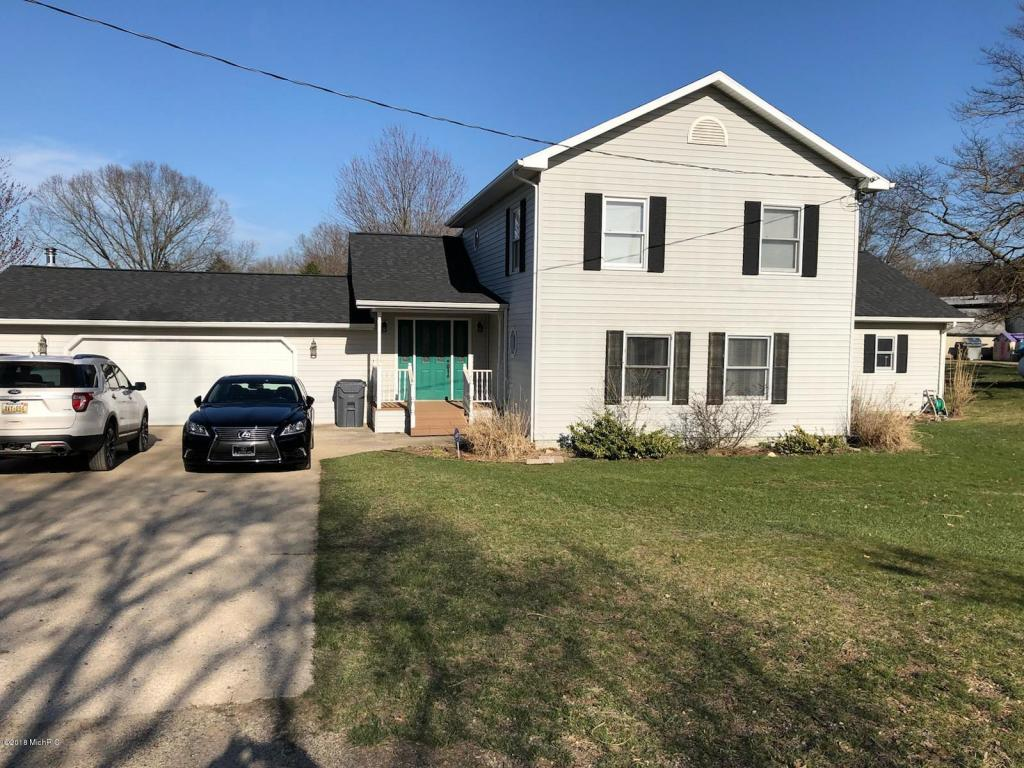 Photo for 53727 56th Street, Lawrence, MI 49064 (MLS # 18016740)
