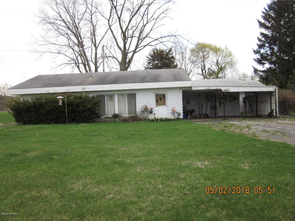 Photo for 46105 Cr 215, Lawrence, MI 49064 (MLS # 18033200)