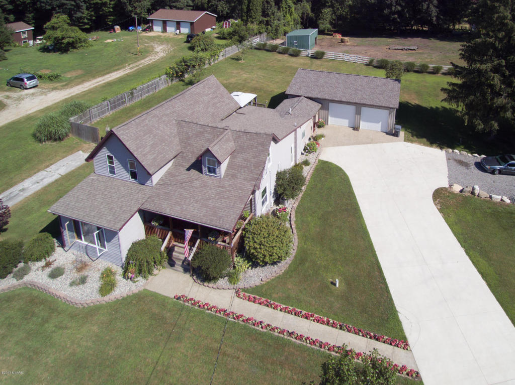 Photo for 57080 Red Arrow Highway, Lawrence, MI 49064 (MLS # 18036553)