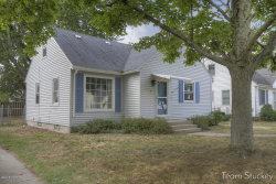 Photo of 1254 Northlawn Street, Grand Rapids, MI 49505 (MLS # 18040484)