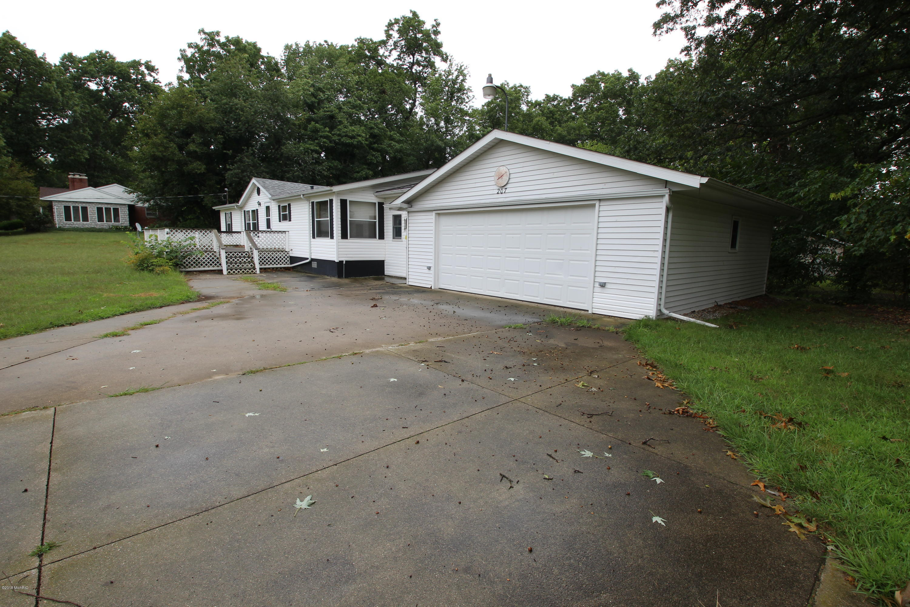 Photo for 207 Pine St Street, Decatur, MI 49045 (MLS # 18042817)