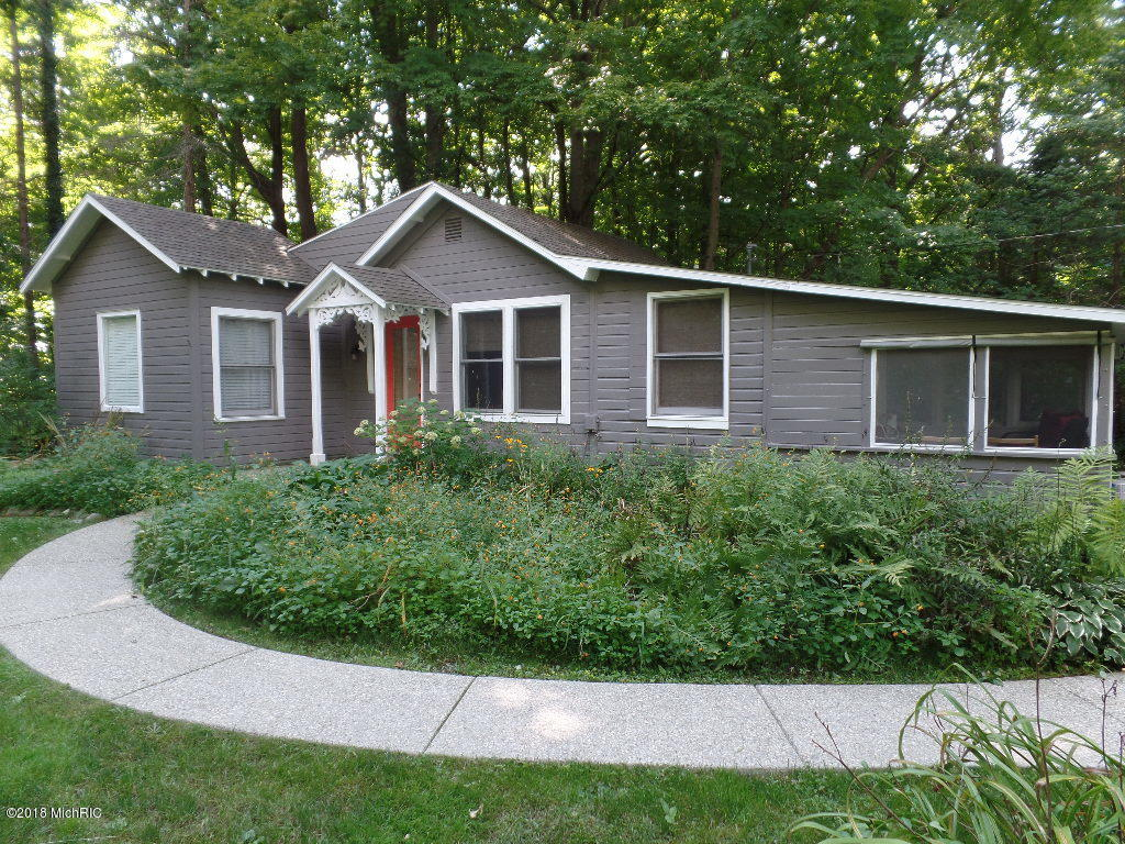 Photo for 963 Allegan Street, Saugatuck, MI 49453 (MLS # 18046086)
