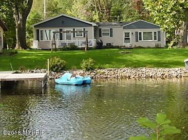 Photo for 46868 Meadow Lane, Decatur, MI 49045 (MLS # 18049531)