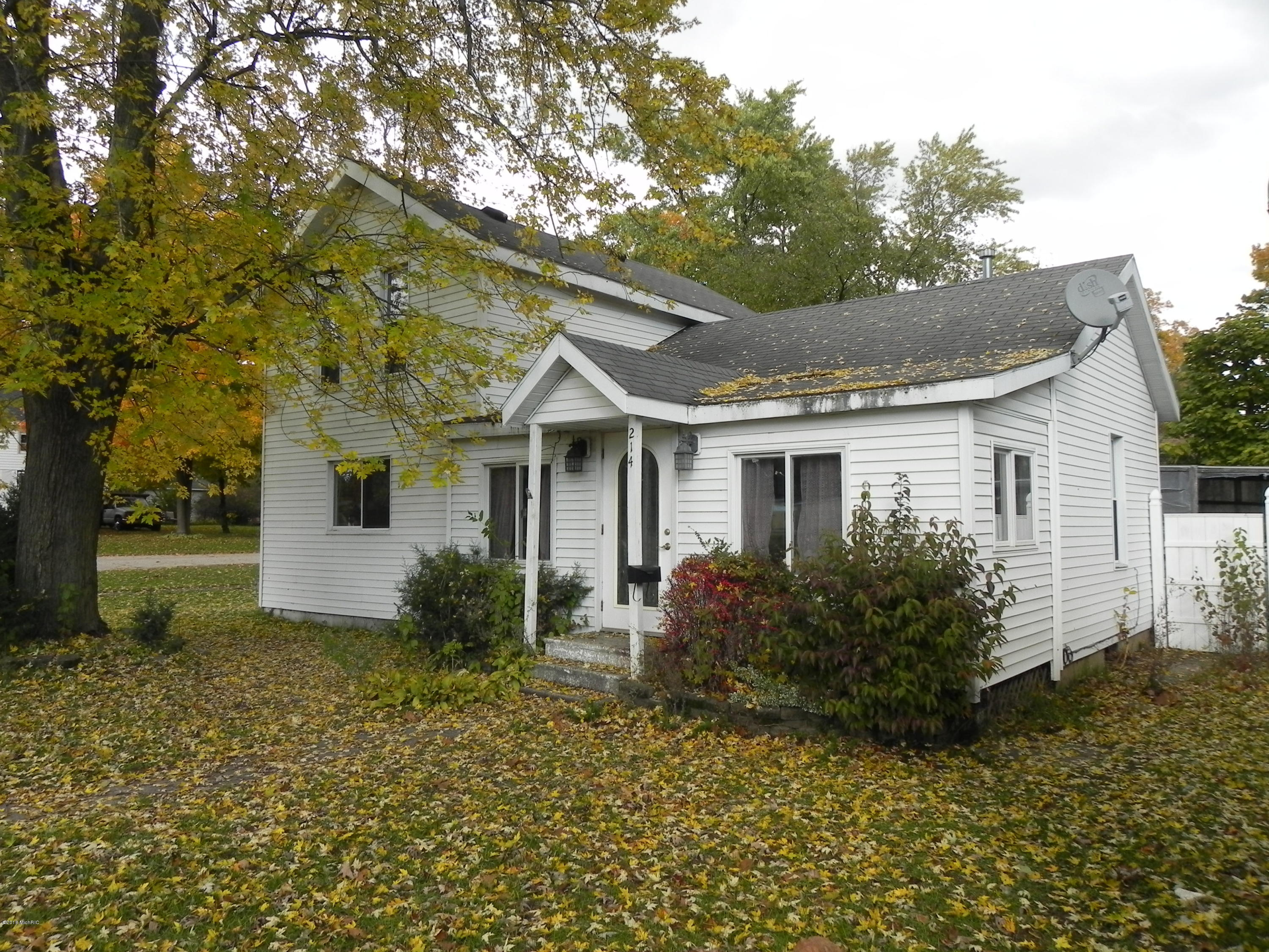 Photo for 214 N George Street, Decatur, MI 49045 (MLS # 18052777)