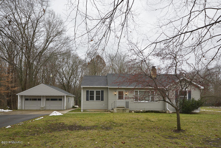 Photo for 10367 W P Avenue, Kalamazoo, MI 49009 (MLS # 18057262)