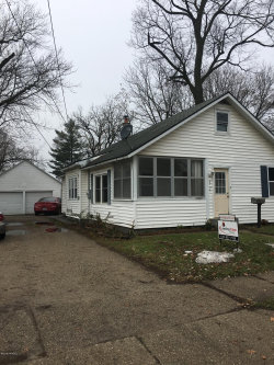 Photo of 2121 Cleveland Avenue, Wyoming, MI 49509 (MLS # 18058335)