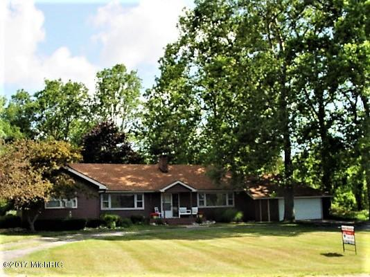 Photo for 46718 Delta Drive, Decatur, MI 49045 (MLS # 19000078)