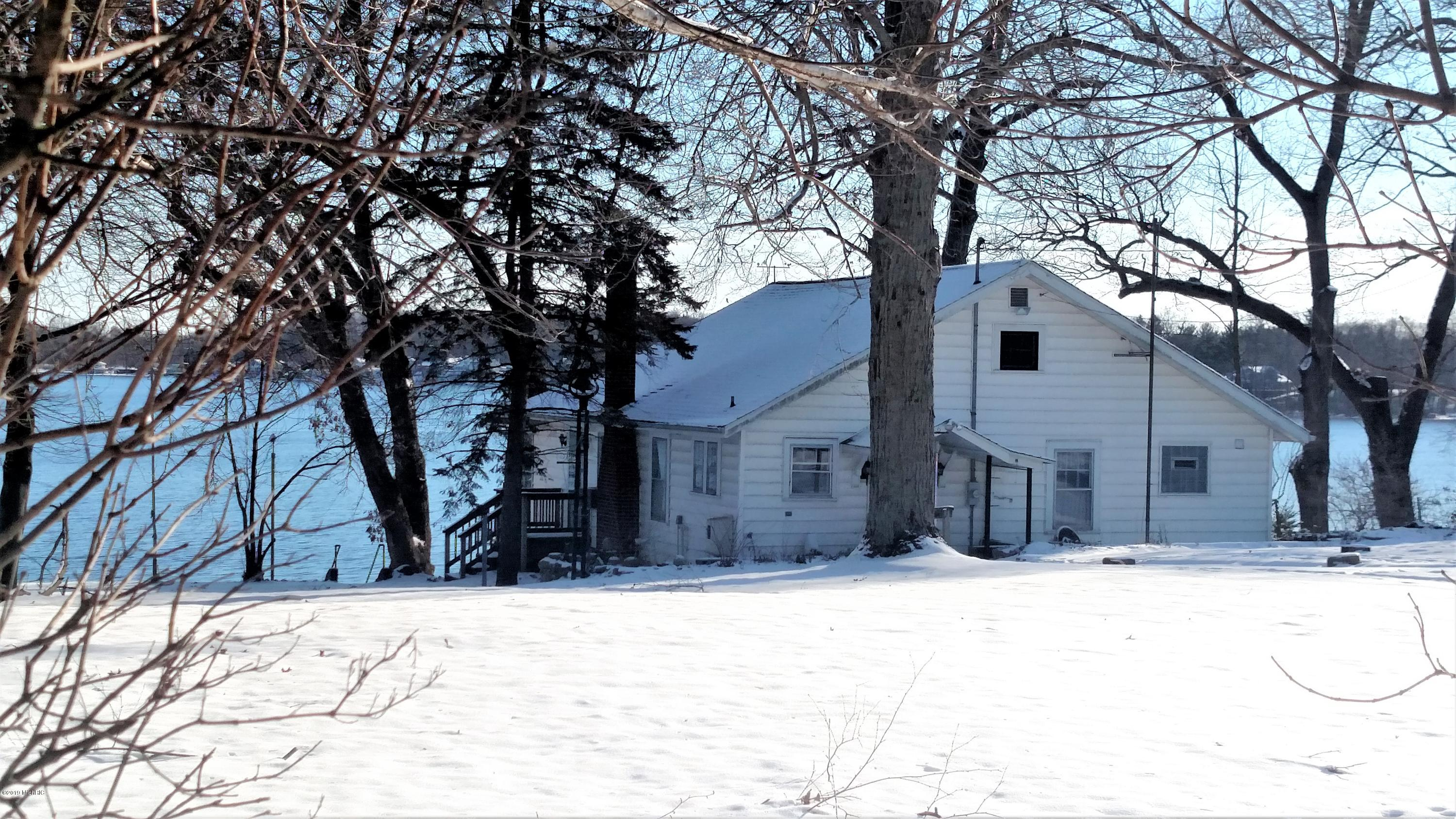 Photo for 58211 Hill Drive, Lawrence, MI 49064 (MLS # 19000931)