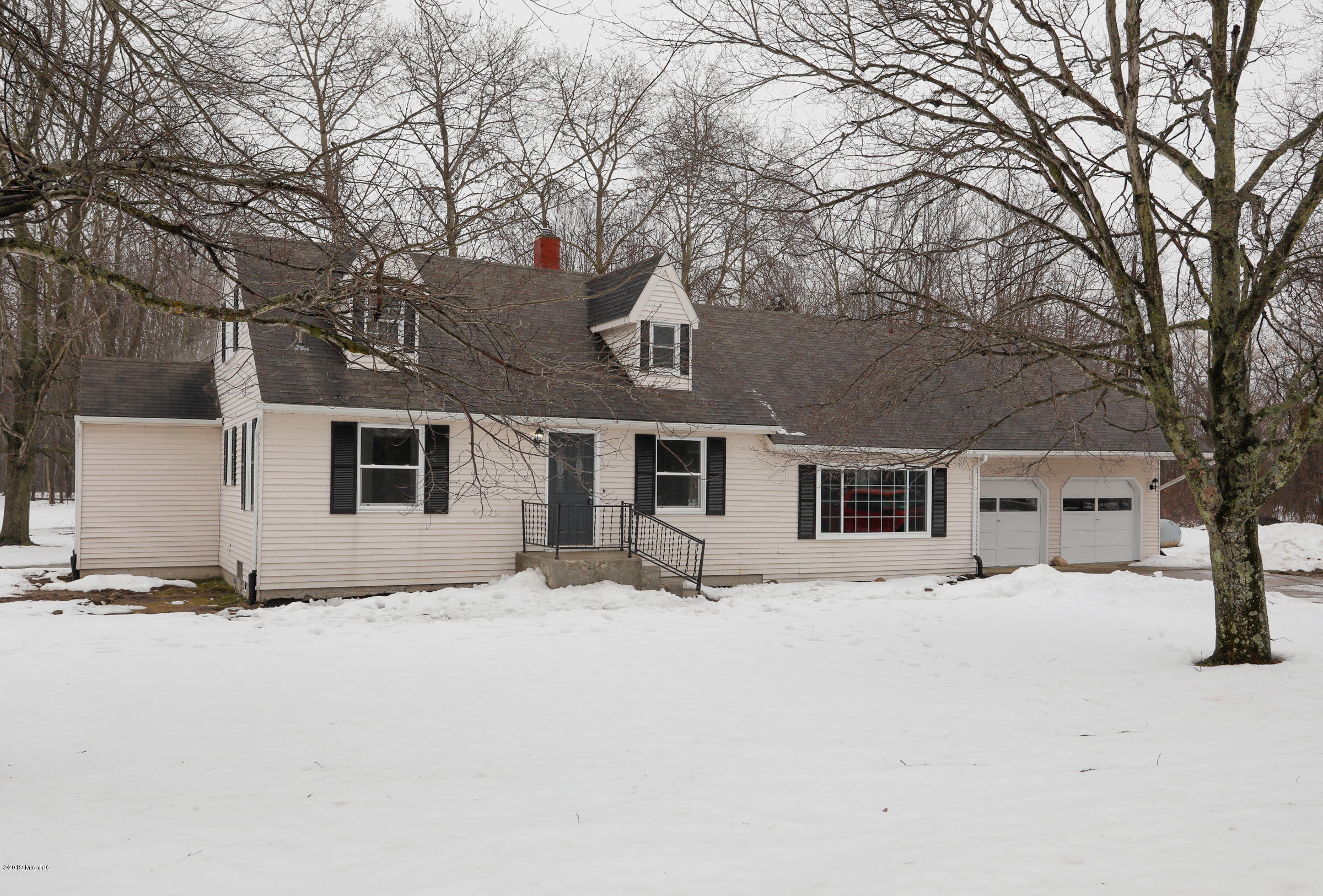 Photo for 2009 27th Street, Allegan, MI 49010 (MLS # 19003552)