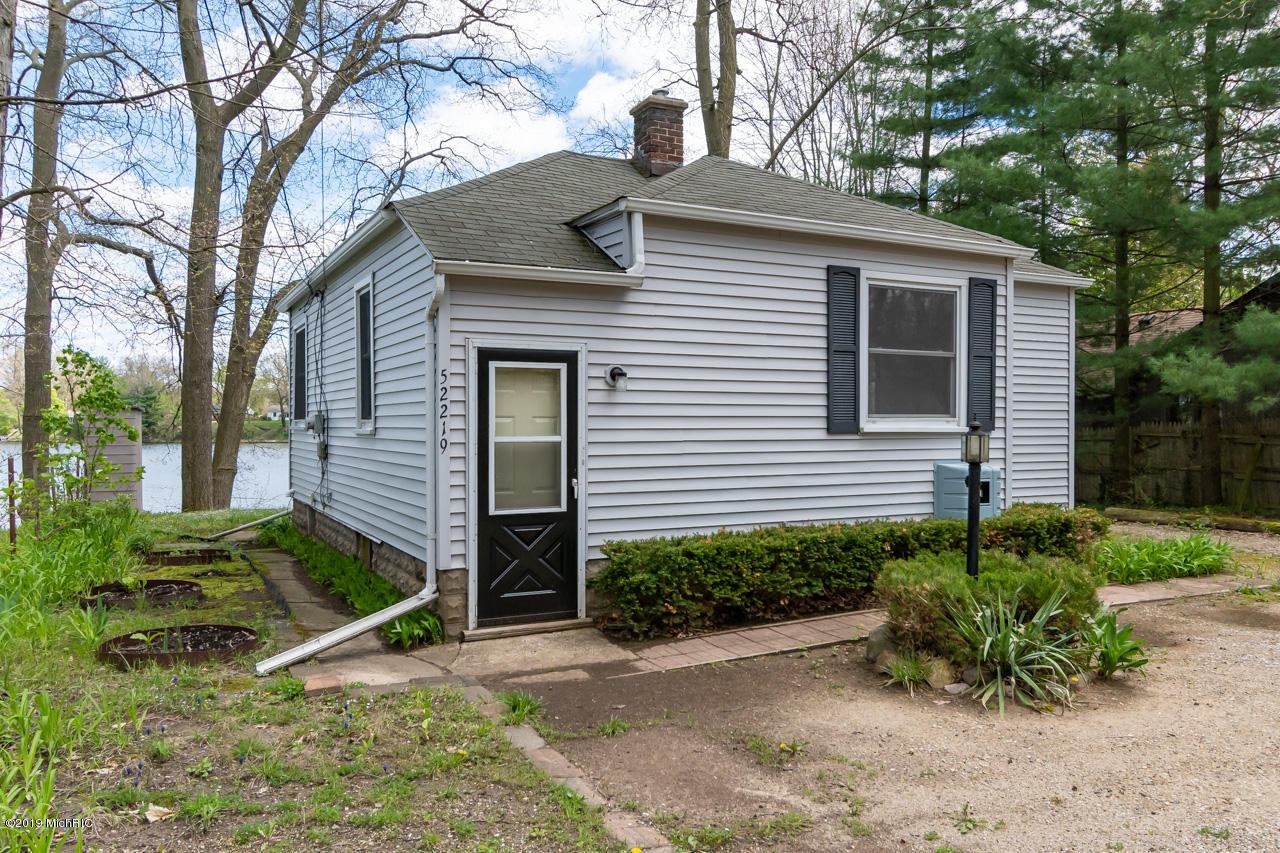 Photo for 52219 Sheridan Road, Paw Paw, MI 49079 (MLS # 19004027)