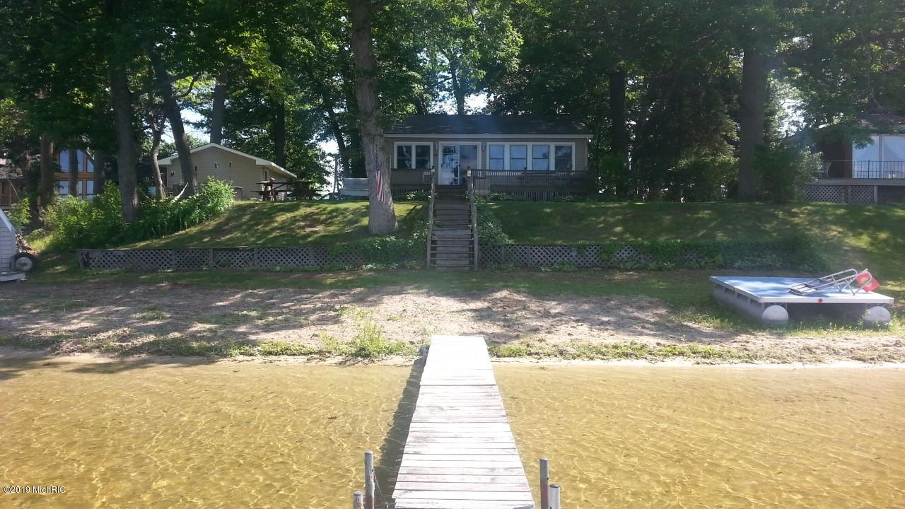 Photo for 60461 Klett Drive, Decatur, MI 49045 (MLS # 19007800)