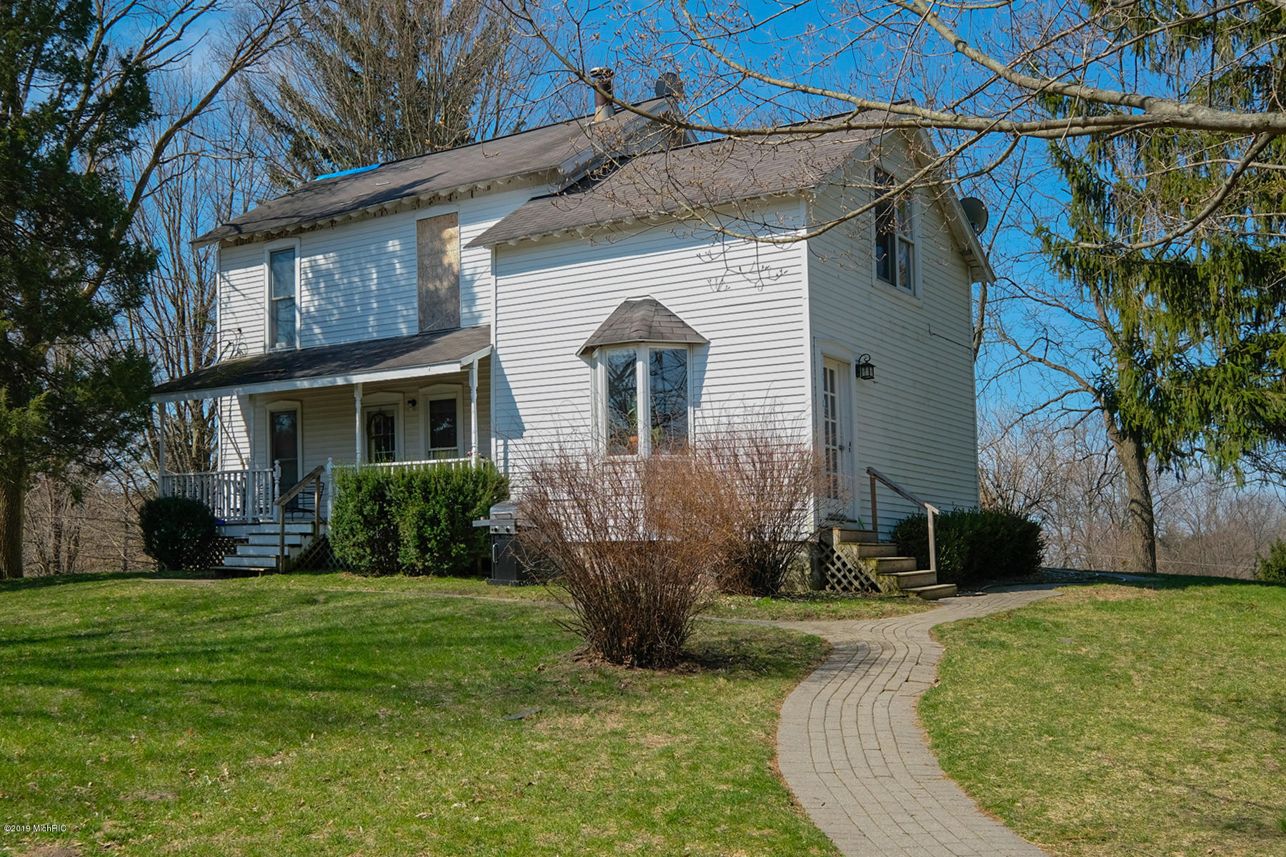 Photo for 25456 Co Rd 358, Lawton, MI 49065 (MLS # 19015362)