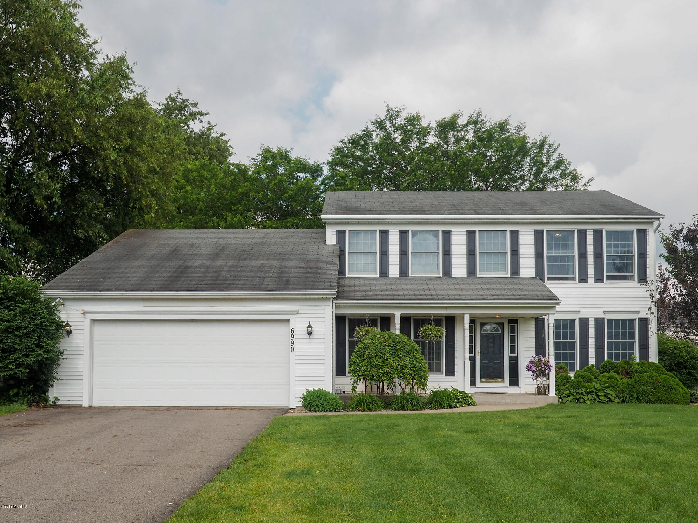 Photo for 6990 Bay Ridge Road, Kalamazoo, MI 49009 (MLS # 19028166)