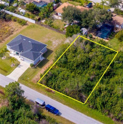 Photo of CLEARWATER, ENGLEWOOD, FL 34224 (MLS # D6105430)