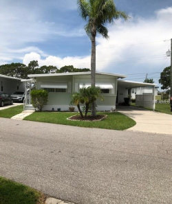 Photo of 260 Outer Drive E, VENICE, FL 34285 (MLS # C7403954)