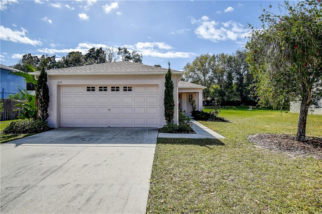 Photo for 1619 Mosaic Forest Drive, SEFFNER, FL 33584 (MLS # T3226286)