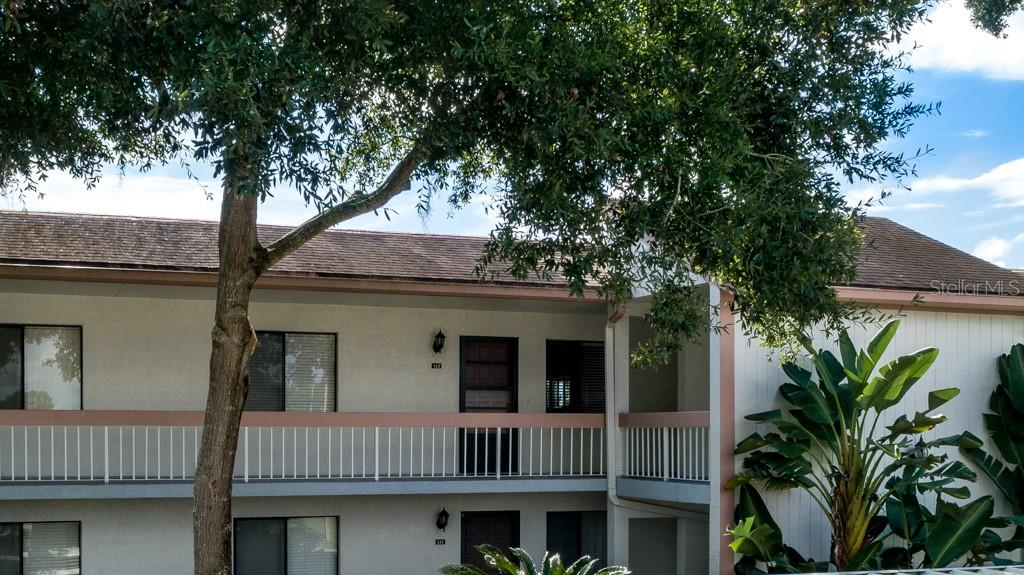 Photo for 142 Lakeview Way, Unit 58, OLDSMAR, FL 34677 (MLS # U8064521)