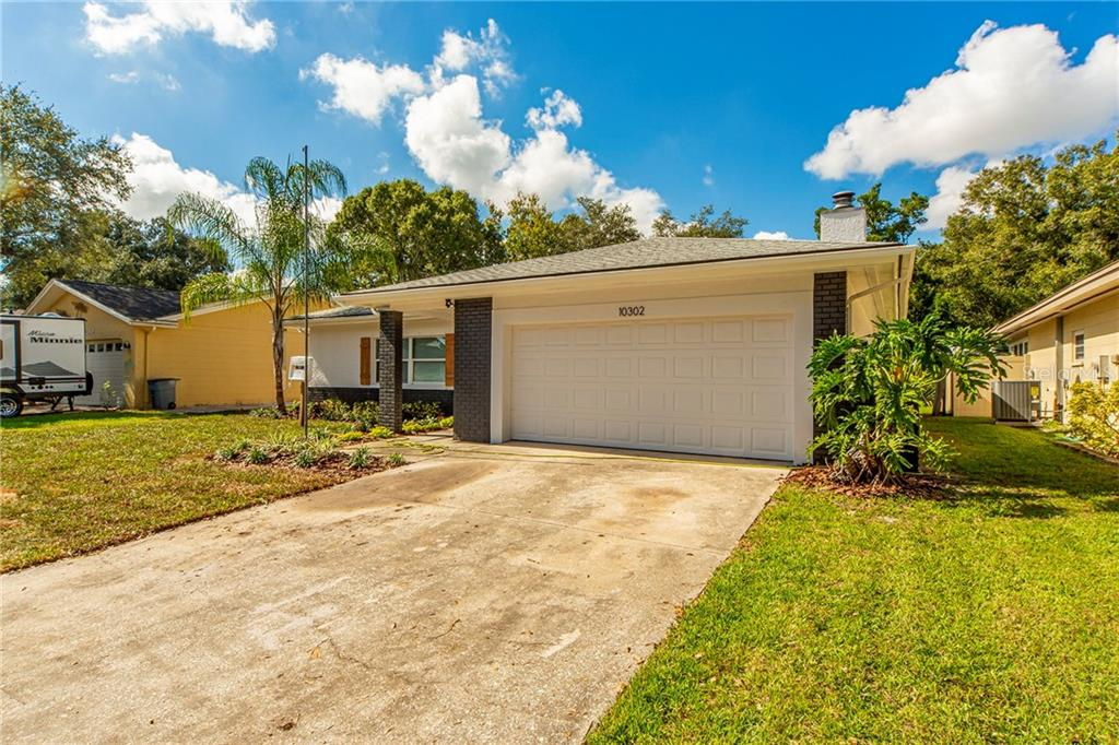 Photo for 10302 Oakhaven Drive N, PINELLAS PARK, FL 33782 (MLS # U8065036)