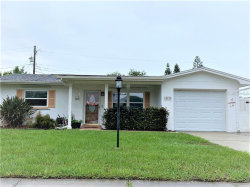 Photo of 10830 Temple Avenue, SEMINOLE, FL 33772 (MLS # U8085557)