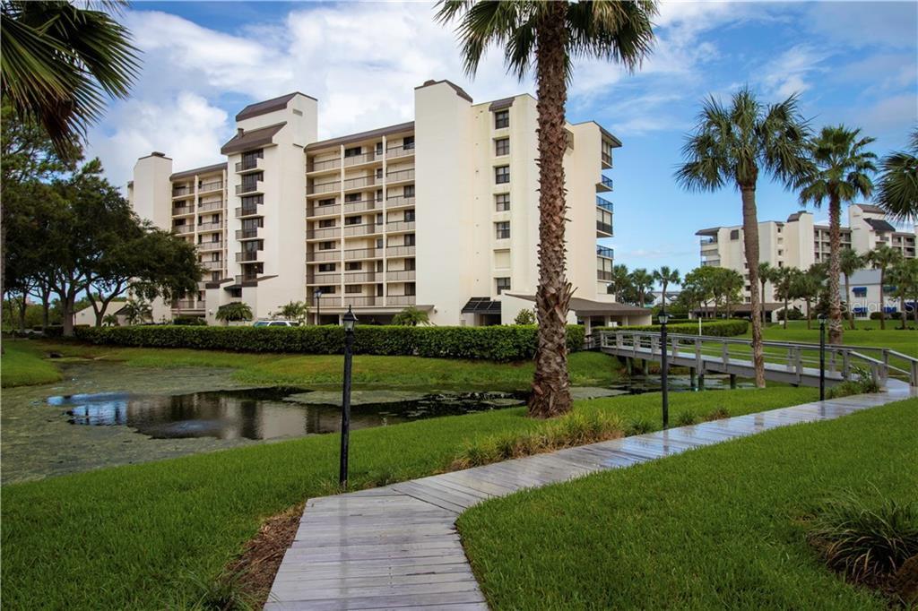 Photo for 11590 Shipwatch Drive, Unit 442, LARGO, FL 33774 (MLS # U8099383)