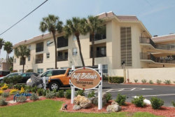 Photo of 3100 W Gulf Boulevard W, Unit 431, BELLEAIR BEACH, FL 33786 (MLS # U8005243)