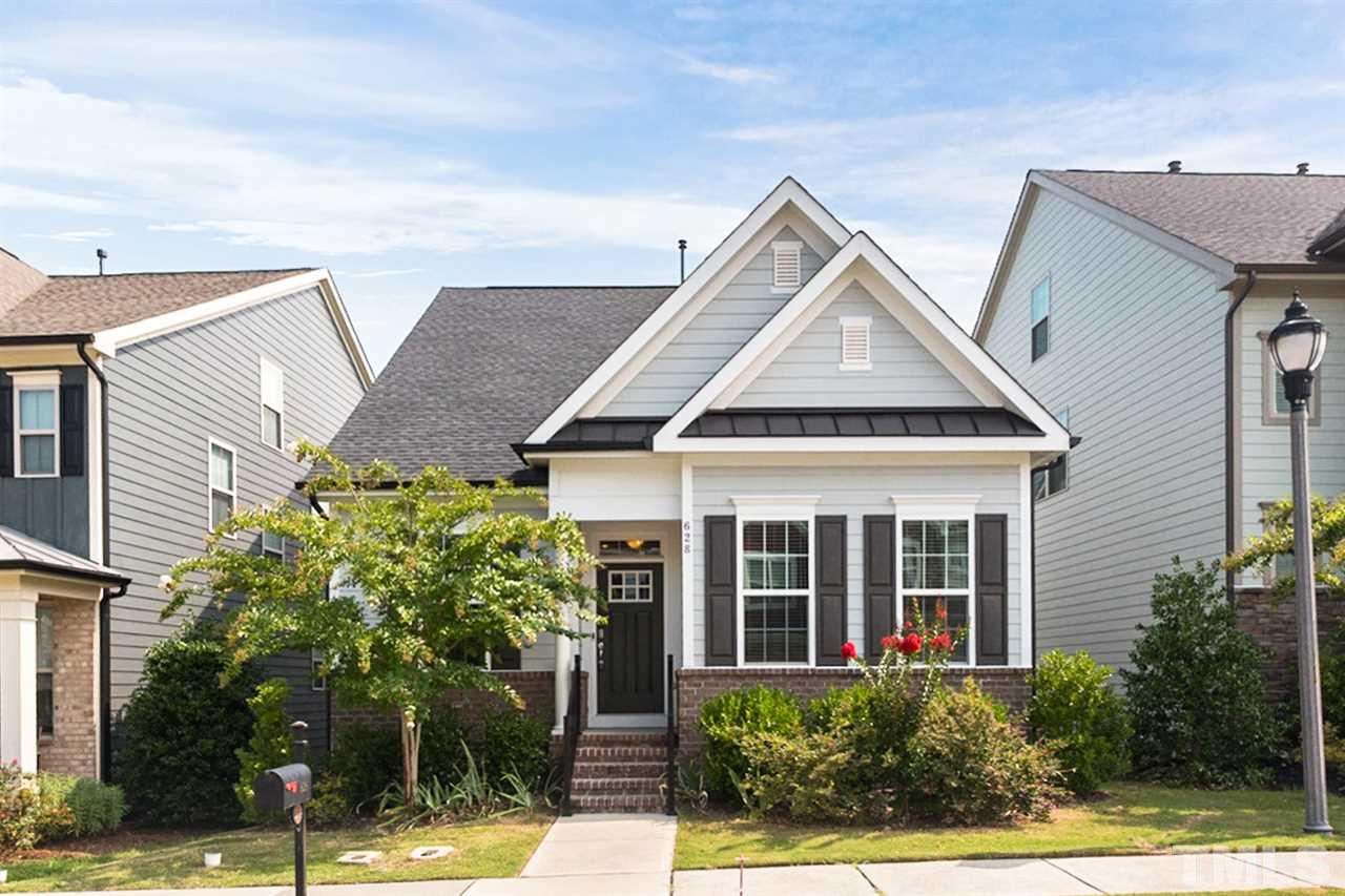 Photo for 628 Mountain Pine Drive, Cary, NC 27519-9616 (MLS # 2272945)
