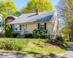 Photo of 9 Park Avenue, Kittery, ME 03904 (MLS # 1413758)