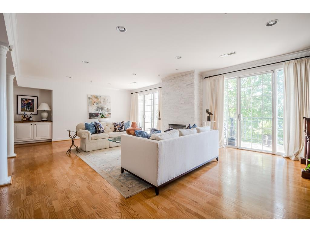 Photo for 3101 Howell Mill Road, Unit 223, Atlanta, GA 30327 (MLS # 5919674)