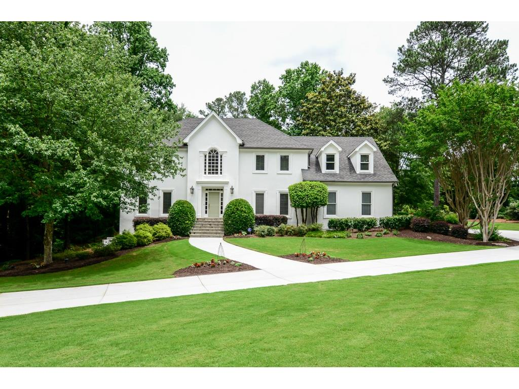 Photo for 485 Pickering Lane, Atlanta, GA 30327 (MLS # 5919414)