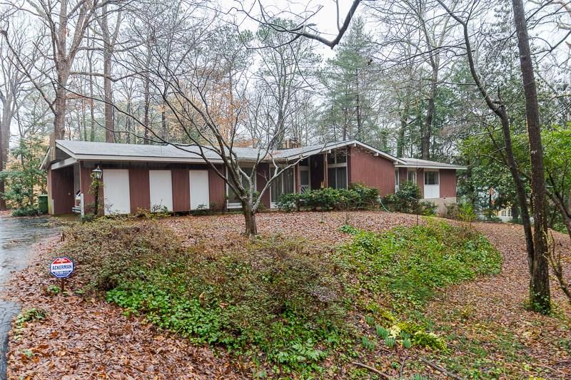 Photo for 4075 Glen Devon Drive NW, Atlanta, GA 30327 (MLS # 5961745)