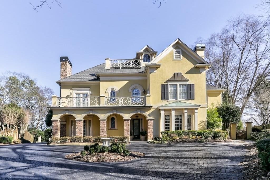 Photo for 5415 Vernon Walk, Atlanta, GA 30327 (MLS # 5963312)