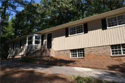 Photo of 605 Elaine Circle, Marietta, GA 30066 (MLS # 6109120)