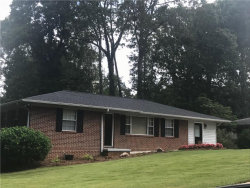 Photo of 1709 Lakeview Circle, Gainesville, GA 30501 (MLS # 6114070)