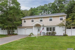 Photo of 17 Manchester Blvd, Wheatley Heights, NY 11798 (MLS # 2963803)