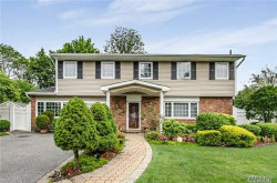 Photo of 4 Hendel Cir, Deer Park, NY 11729 (MLS # 2969720)