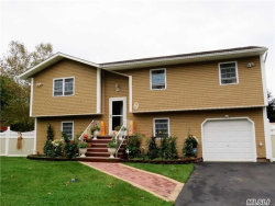 Photo of 17 Nottingham Dr, Wheatley Heights, NY 11798 (MLS # 2978737)