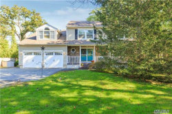 Photo of 511 Wading River Rd, Manorville, NY 11949 (MLS # 2980583)