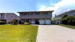 Photo of 102 Anchorage Dr, West Islip, NY 11795 (MLS # 2981025)