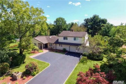 Photo of 2 Majestic Ct, Dix Hills, NY 11746 (MLS # 2982873)