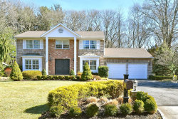 Photo of 22 Hunting Hill Dr, Dix Hills, NY 11746 (MLS # 3005409)