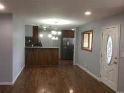 Photo of 32 Linden St, Wheatley Heights, NY 11798 (MLS # 3005869)