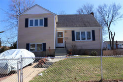 Photo of 29 Linden St, Lindenhurst, NY 11757 (MLS # 3006080)