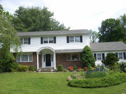 Photo of 5 Woodhollow Rd, Smithtown, NY 11787 (MLS # 3008174)