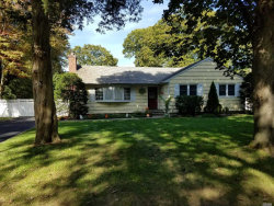 Photo of 1 Clearbrook Dr, Smithtown, NY 11787 (MLS # 3011394)