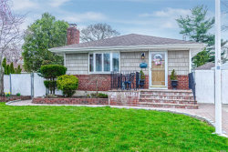 Photo of 1638 Jefferson Ave, West Islip, NY 11795 (MLS # 3028983)
