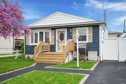 Photo of 8 Farragut Ave, Lindenhurst, NY 11757 (MLS # 3029319)