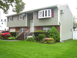 Photo of 190 37th St, Lindenhurst, NY 11757 (MLS # 3031637)